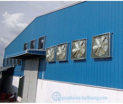 Dùng quạt thông gió trong các nhà máy